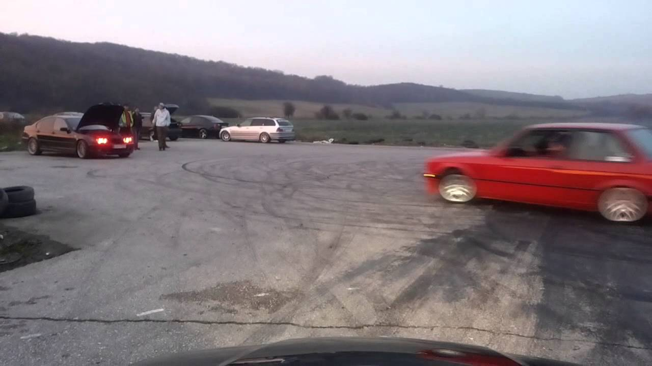 BMW E30 318i m40b18 - YouTube