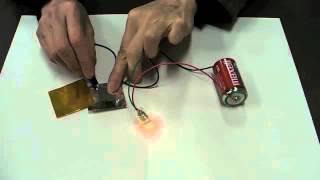小学校理科3年(5)電気の通り道 乾電池と豆電球の回路をつくり電気を...