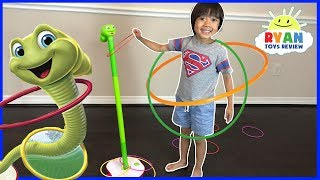 Wobbly Worm Challenge Parent vs Kid! Family Fun Kids Toys with Kinder Surprise Egg