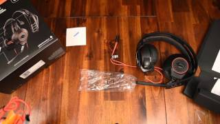 Unboxing of the Plantronics 515HD LAVA