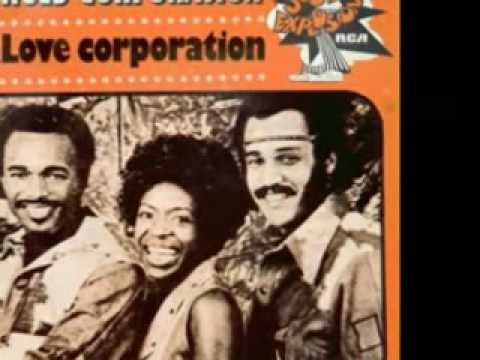 """THE HUES CORPORATION - """"Freedom For The Stallion"""" (1973)"""