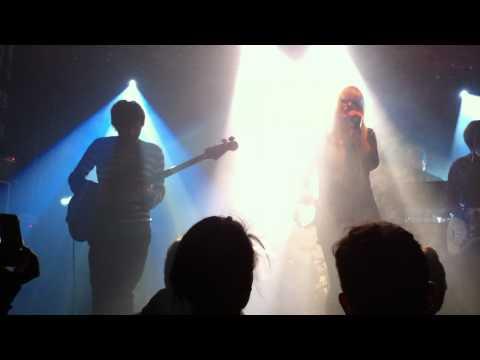 The Concretes 'All Day' - Live @ Le Point Ephémère (06-12-2010)