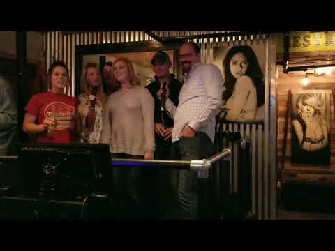 RELAX Karaoke B 52 style!