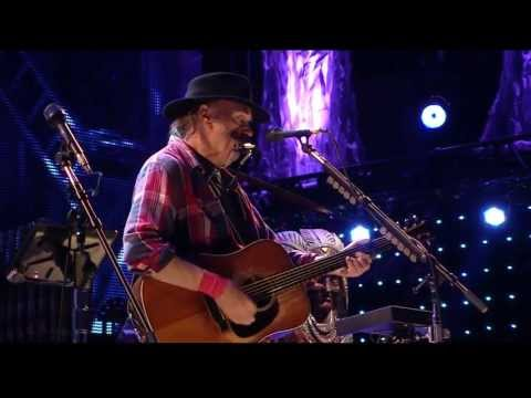 Neil Young  Blowin in the Wind  at Farm Aid 2013