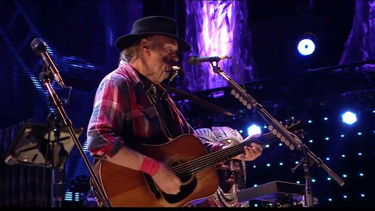 neil-young-blowin-in-the-wind-live-at-farm-aid-2013-farmaid