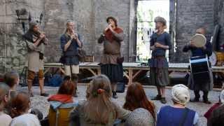 Kalabalik - Sumer Is Icumen In (Bagad Visby, Medeltidsveckan 2013)