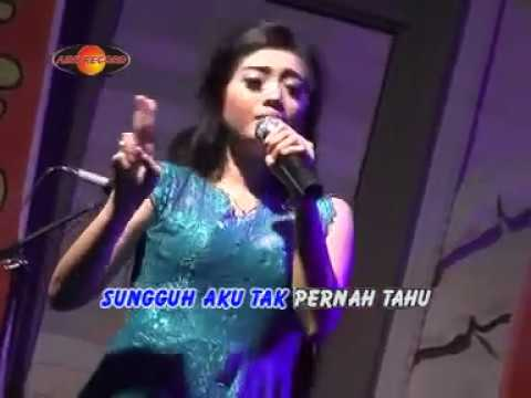 Deviana Safara - Siapa Kau (Official Music Video) - The Rosta - Aini Record