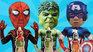 슈퍼히어로 쥬스 먹으니 영웅 되었어요! 워터파크 스파이더맨 헐크 캡틴 아메리카 찾기 Superhero juice water park for kids & children