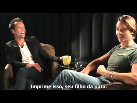 Timothy Olyphant and Walton Goggins funny  Justified talk  Legendado em português  parte 2