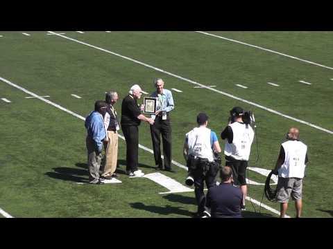 Jim Hanifan Given Glenn T. Seaborg Award