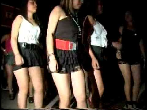 En la calle minifalda ajustada negra de una rica nalgona - 1 8