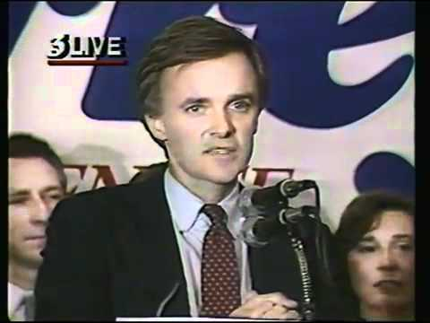 Bob Kerrey sings after being elected to Senate