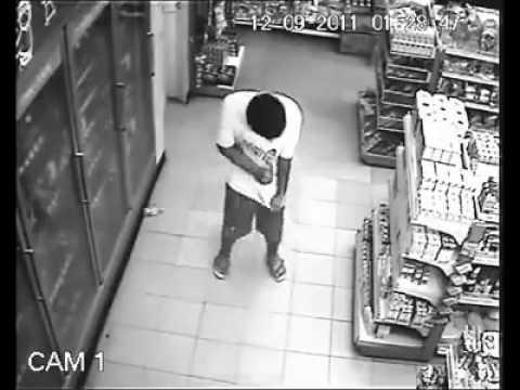 Quỷ nhập tràng vào người đàn ông trong siêu thị