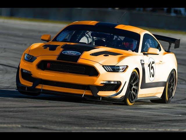Mustang GT4+ at Calabogie Racetrack