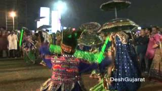 Navratri 2012 series: Khelaiyas playing Garba with light