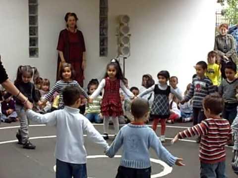 Jean petit qui danse roksana avec sa ma tresse et ses - Petite souris qui danse ...