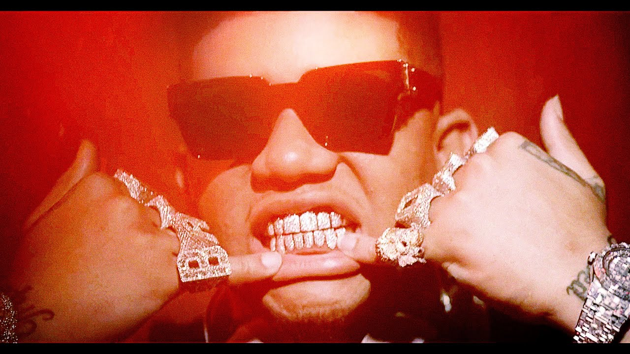 """Yella Beezy - """"Restroom Occupied (ft. Chris Brown)"""" (Official Music Video)"""
