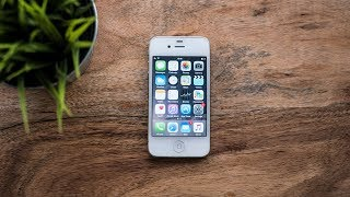 Using the iPhone 4S in 2018 - Review. (+ New Battery Install!)