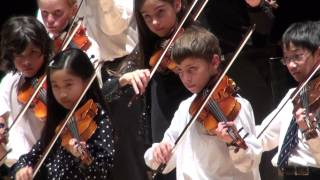 Minuet 3 by Bach - Montreal Suzuki Violin Christmas Concert 2014