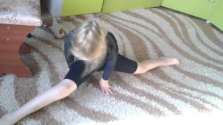 Уроки гимнастики от Сони (  2 часть)