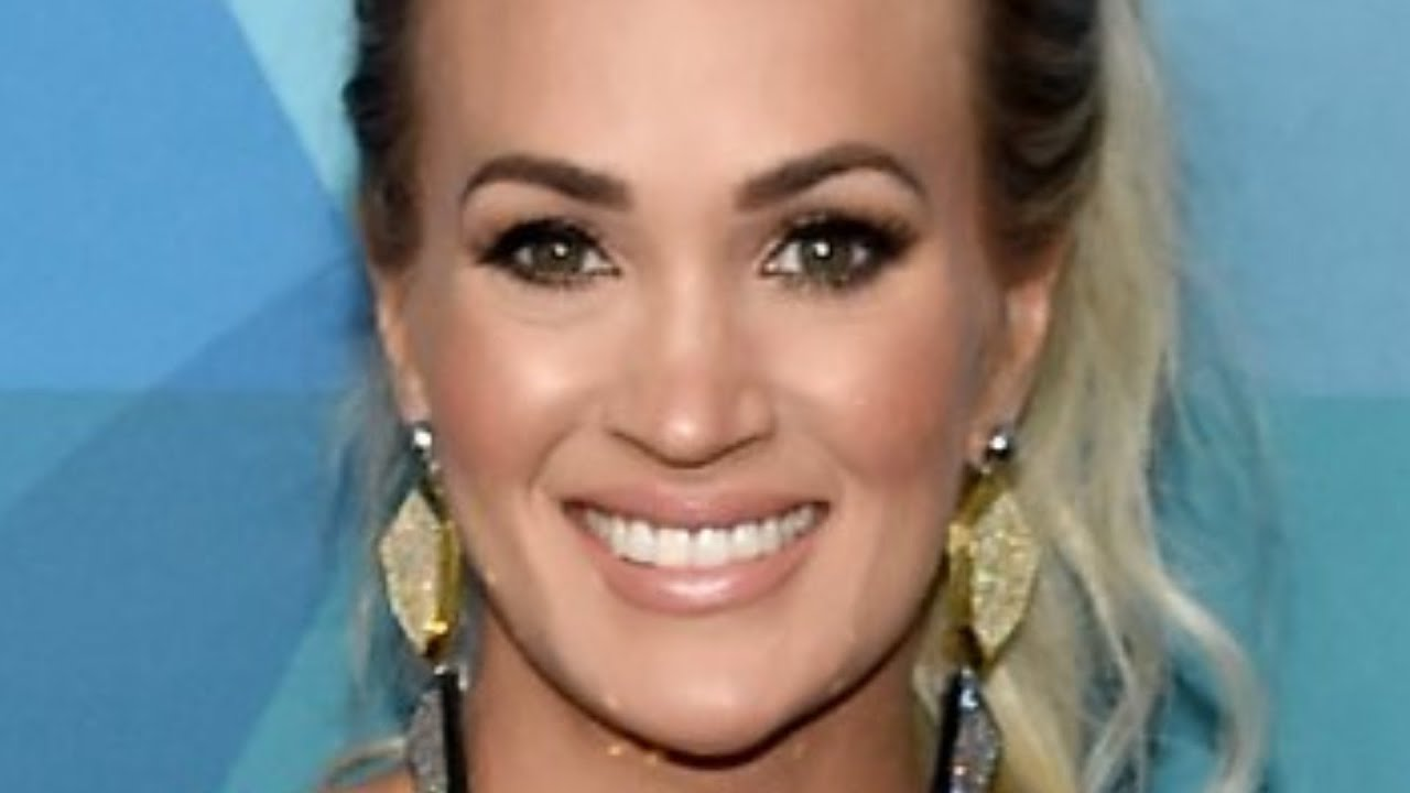 Why Did Carrie Underwood's Lips Look So Different At The ACM Awards?