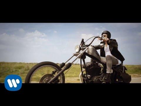 Alessio Bernabei - Io E Te = La Soluzione (Official Video)