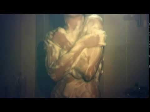 Голая Настасья Самбурская моется в душе