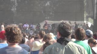 "Iron & Wine - ""Lovesong of the Buzzard"" (live @ Bonnaroo 2011)"