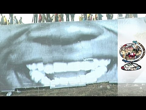Can an Artistic Makeover Improve one of Africa's Largest Slums? (2009)