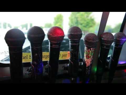 Taxi Karaoke Christian Gander Imagen Academia de Comunicaciones