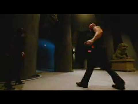 Tony_Jaa_Tom_Yum_Goong_final_battle