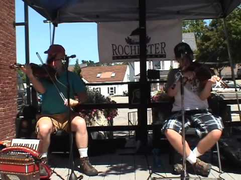 Cajun fiddle tune by Fiddling Thomsons, Factory Court Concert in Rochester, NH
