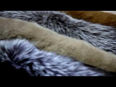 Модные павлопосадские платки с натуральным мехомиз YouTube · Длительность: 58 с  · Просмотры: более 5.000 · отправлено: 16.07.2013 · кем отправлено: Елена Кукина