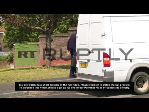 UK: Forensics swoop for clues in stabbed soldier case