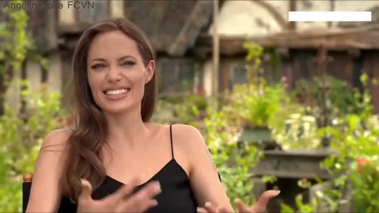 Angelina Jolie And Vivienne In Maleficent Maleficent Interview 2014