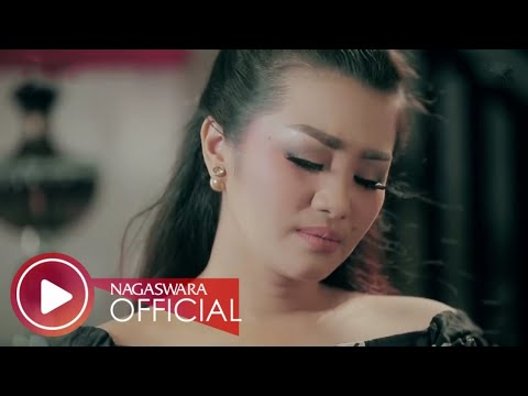Fitri Carlina - Pujaan Hati (Official Music Video NAGASWARA) #music