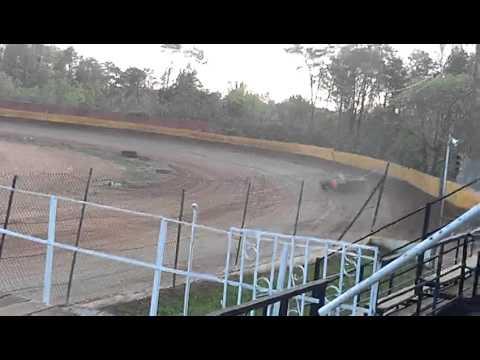 dustin duncan at lake cumberland speedway 4 14 12 qualifying