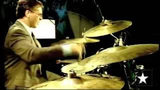 """Jazz Fusion - Daniel Oliveira toca  """"Rhythm dance"""", de Dave Weckl, no Mão na Massa"""