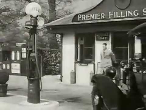Austin Motor co, dealer showroom 1932