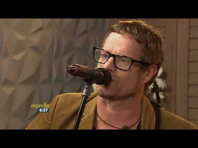 """Arno Carstens performs """"Spook"""" LIVE!"""