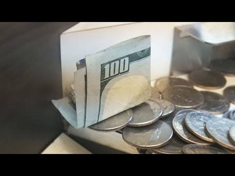 COIN PUSHER || $100 Bill ON THE EDGE!!
