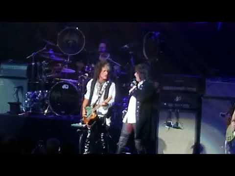 Hollywood Vampires - Sweet Emotion - Foxwoods Grand Theater 5-20-2018