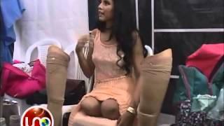 Repeat youtube video Cumpliendo el sueño de modelar aun sin piernas