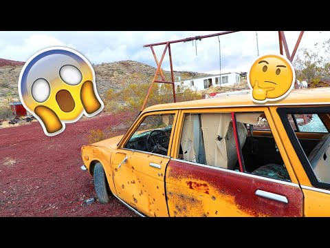 THEY EVEN ABANDONED THEIR CARS... Exploring Abandoned Houses