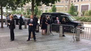 Hillary Clinton 'faints' at 9/11 memorial Dragged into her SUV by US Secret Service (9/11/2016)