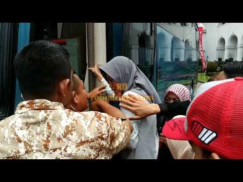 Ibu-ibu Fans Berat Marc Marquez Histeris ingin bertemu di Bandung Mp3
