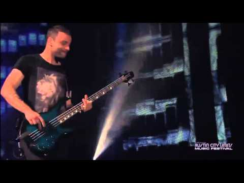 Muse  StarSpangled Banner + Hysteria + Back in Black riff  at Austin City Limits 2013