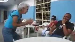 Old lady dances to the Baby Doll Main Sone Di