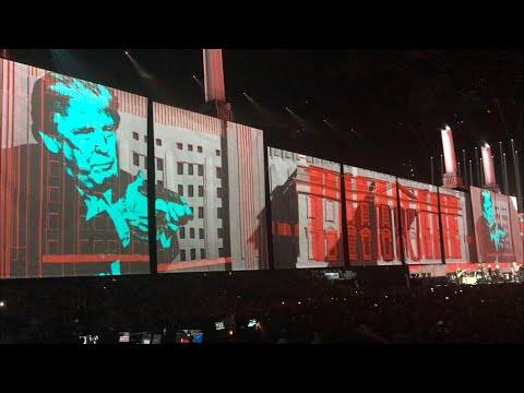 """Roger Waters US+THEM 2017 TD Garden(Boston, MA): Beginning of 2nd half and bits of """"Pigs"""""""