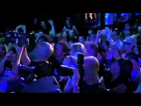 Black Eyed Peas-My Humps Ao Vivo [Walmart Soundcheck ]